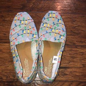 Toms Christmas light shoes